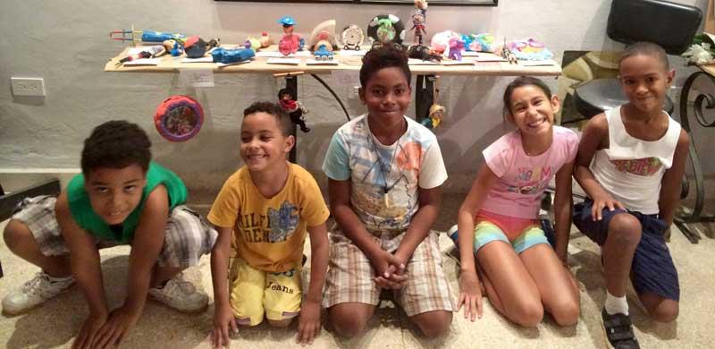 Exposición del taller infantil de verano Toy Entero